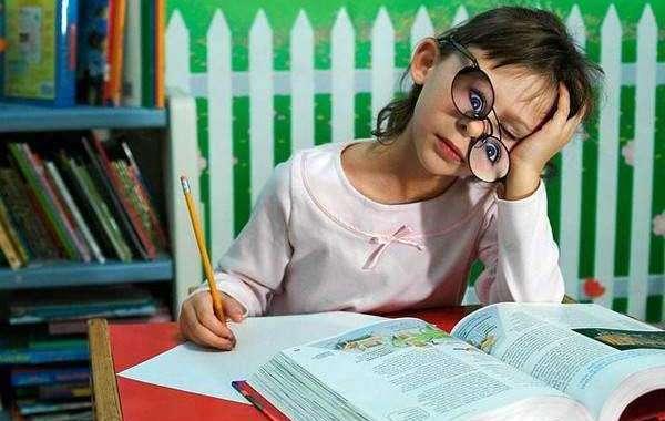 Как ребенку помочь быстро учить стихи: проверенные способы