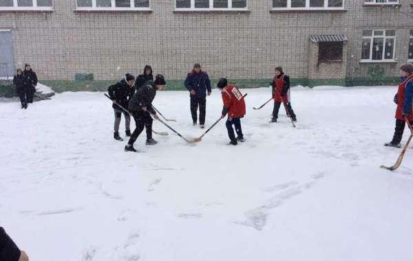 Новогодний хоккей
