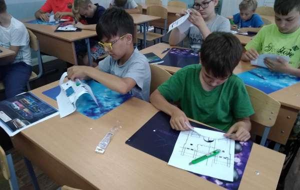 Архитектоника и бумагопластика в летней школе